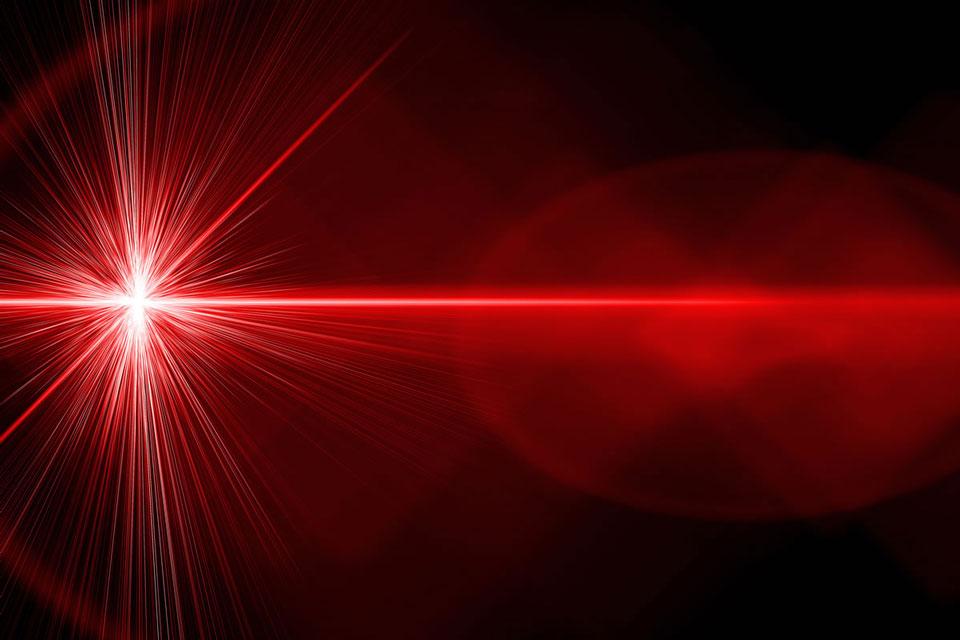 لیزر چیست؟ لیزر پرتوان در کلینیک درد راد